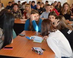 """Студенти-першокурсники взяли участь у розважально-пізнавальній вікторині """"Проводи зими"""""""